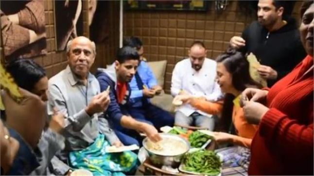 الفنان أشرف عبد الباقي يتحدث عن كواليس حلة مش بمسرحية لوكاندا