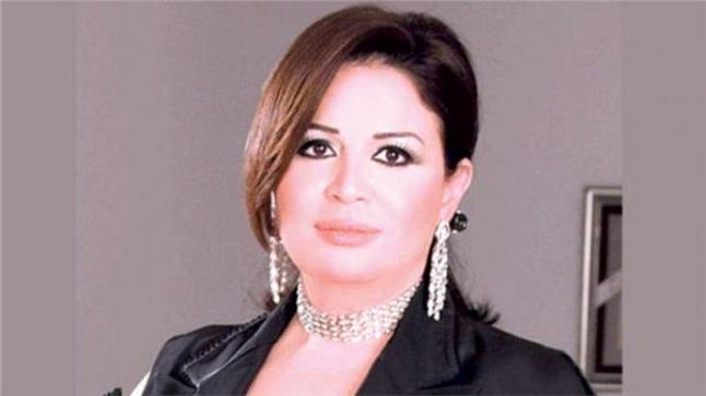 تكريم الفنانة إلهام شاهين في مهرجان أسوان الدولي لأفلام المرأة