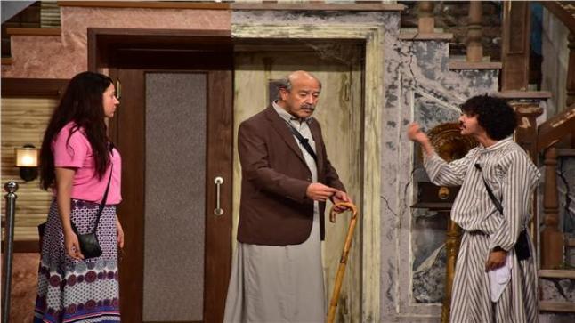 الفنانة ياسمين سمير تظهر متألقة في أول عرض لمسرحية اللوكندة