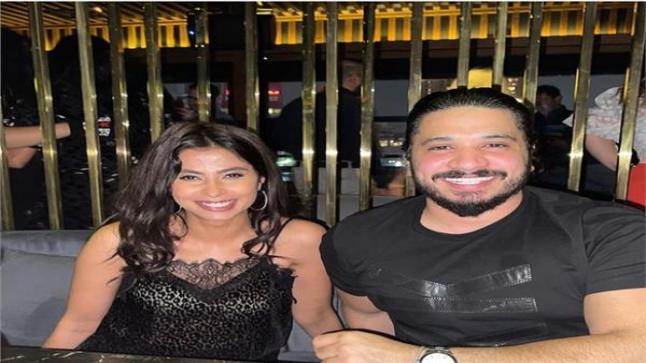 الفنان مصطفى حجاج يهنئ الفنانة روبي بألبومها الجديد