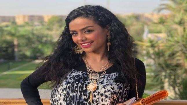 """أسماء أبو اليزيد في فيلم """"حضور وانصراف"""""""