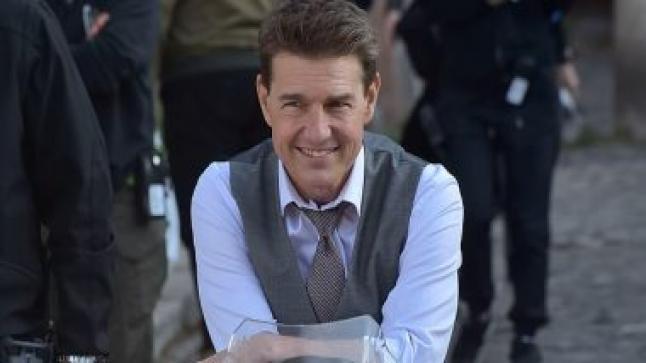 النجم توم كروز يقوم بتصوير كواليس فيلم Mission Impossible 7